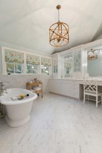 kistner bathroom 1